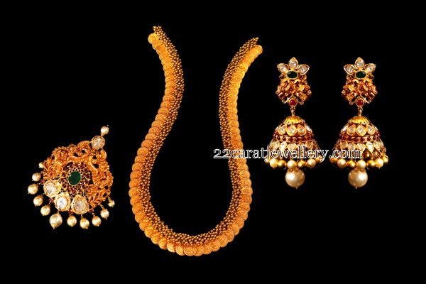 Jewellery Designs: Kasu Mala Detachable locket Jhumkas