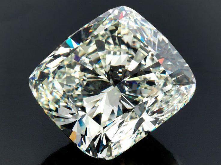 Loser Diamant 16,67 x 15,96 x 11,16 mm. Gewicht: 24,37 ct. Beigefügt ein Diamond Report von IGI Nr. F1R39118 vom Juni 2014. Prächtiger, großer und feiner Diamant im Kissenschliff, 24,37 ct J/VVS1, vg/vg… - Hampel - 25/09/2015