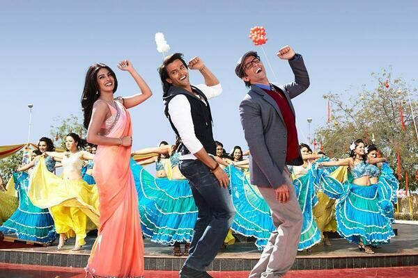 #Krrish3 collects Rs 228.23cr in fortnight, sets new record... http://www.buzzintown.com/bollywood-news--krrish-3-collects-rs-228-23cr-fortnight-sets-new-record/id--9075.html #Bollywood #Hrithikroshan #Priyanka