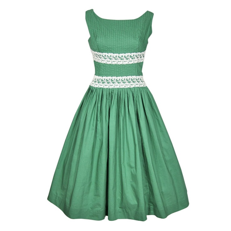 VINTAGE 1960s GREEN SUMMER DRESS W PINTUCKED BODICE & LACE TRIM. I love this