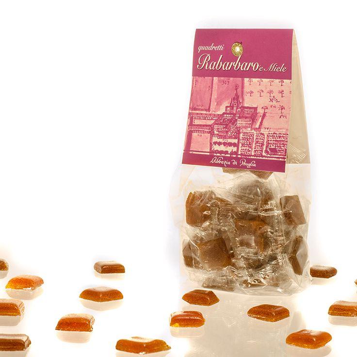 Quadretti Rabarbaro e miele. Abbazia di Praglia. Prodotte in modo artigianale, secondo antica ricetta, mediante cottura a fuoco diretto in pentola di rame e lavorata completamente a mano
