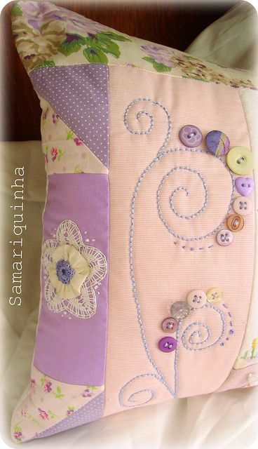 buttons and border quilting