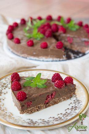 Tort raw de ciocolata si zmeura