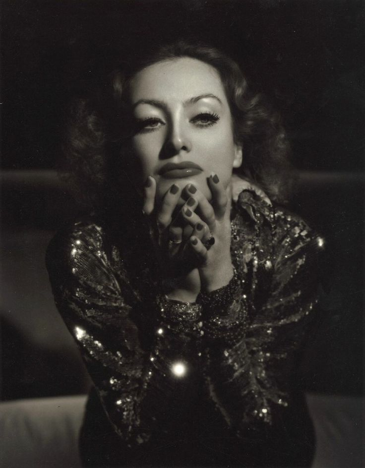Joan Crawford - Photo by George Hurrell (1934)