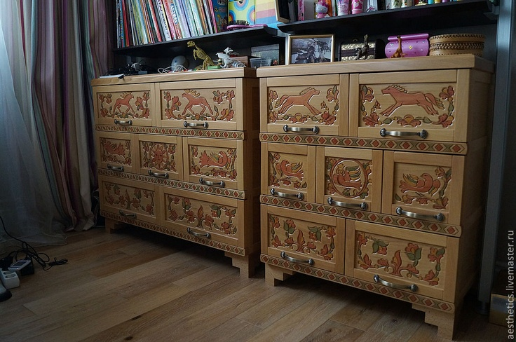 #Russia, thread on the #tree, chest of #drawers, amazing #Russian carver #Vladimir Kolesyankin