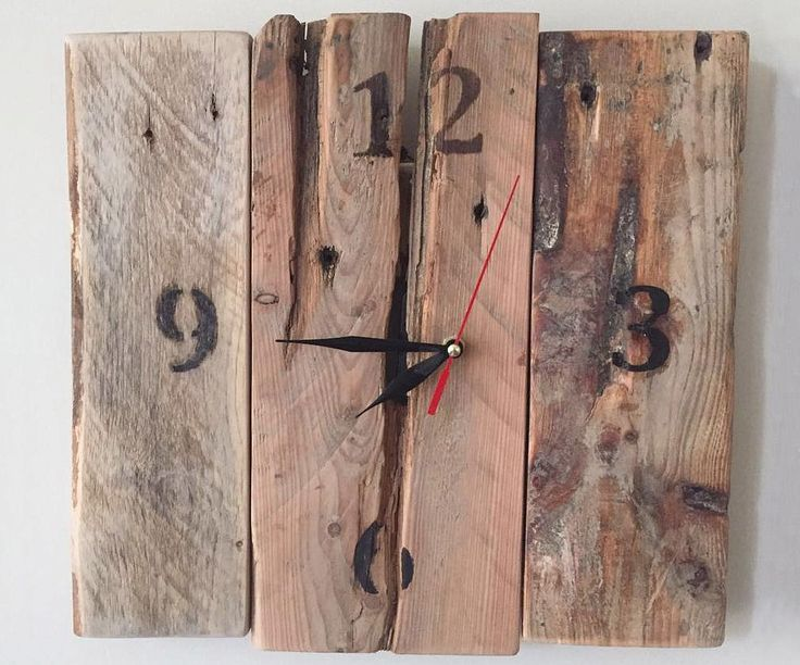 Часы из старых досок