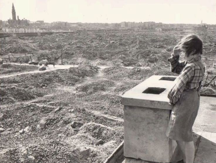 Unknown girl looking at destroyed Warsaw, 1946 - Huge Collection Of The Warsaw Uprising Photos 18  Page 3 of 3  Best of Web Shrine
