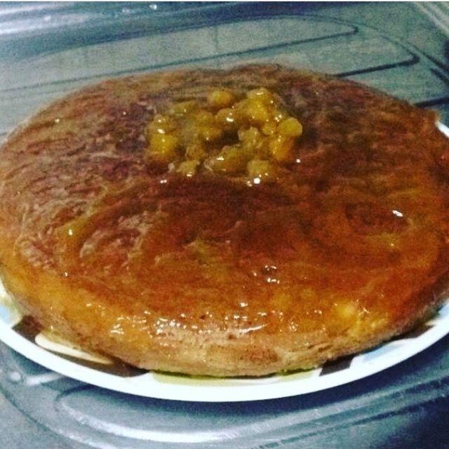 Torta de Naranja  La base fue una pre mezcla pero le dí mi toque especial con un glaseado de melocotón y mandarina #YSiSeMeAntojaLoPreparo