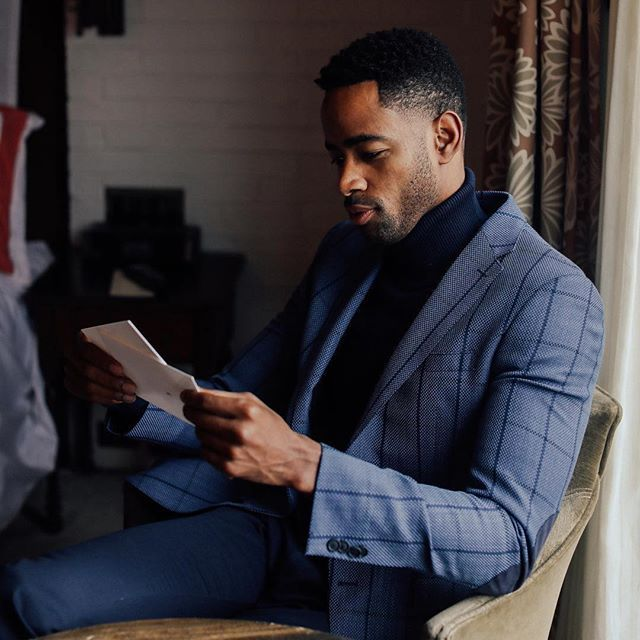 Cant get enough of the roll neck jumper suited look. Jay Ellis is looking like a boss in this dapper outfit . #ucheostyling  . #Repost @jayrellis  Suited. @boss #NYFWM . . . . #personalstylistlondon #personalstyling #imageconsultant #ukfashionstylist #stylingservices #wardrobestylist #personalshopperlondon #estyling #onlinestylingservices #mensfashiopost #ootd #gentleman #dapperstyle #dappermen #dapperscene #mensstyle #gentslounge #suited #suituptime #menwithfashion #menwithclass…