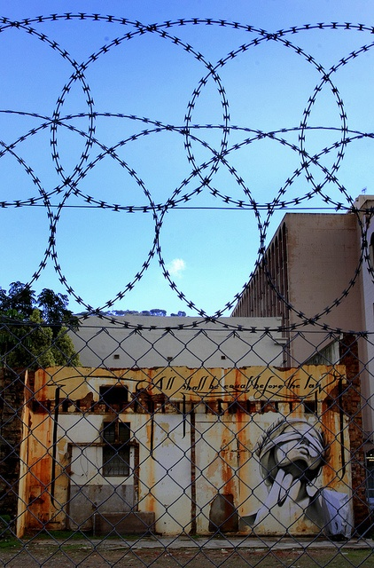 Cape Town, Queen Victoria Street  Actually I like the cropped version more but I think the fence adds something to the statement.