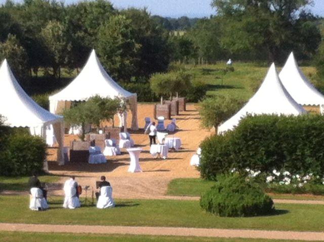 Des tentes pagodes pour un cocktail privé