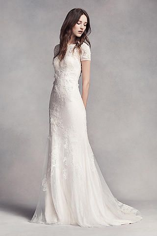 Simpe Form-Fitting Lace Wedding Dresses