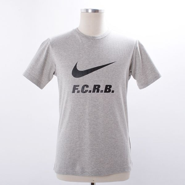 Nike F.C.R.B. QS T-Shirt - Nike and premium Japanese retailer, SOPHNET once again get together to bring you the new F.C.R.B collection for Autumn / Winter.  Inspired by the fictional soccer club started in 1999 by Kiyonaga, FCRB (Football Club Real Bristol) combines fashion with the soccer lifestyle to showcase the aesthetics of the beautiful game.