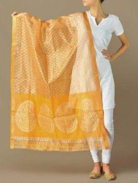Yellow-Gold Paisley Grandeur Maheshwari-Cotton Silk Dupatta