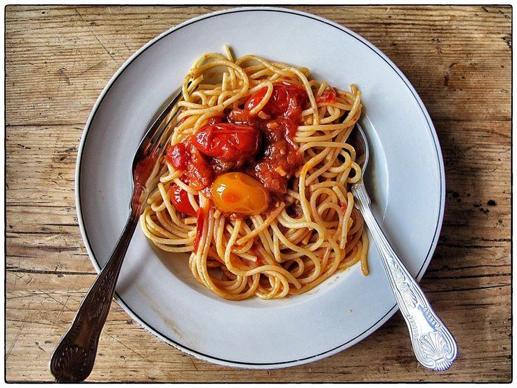 MsMarmiteLover: Recipe: spaghetti Napolitana