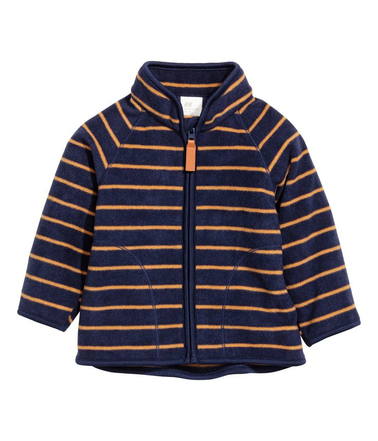 Sjekk ut dette! En jakke i myk, varmeisolerende fleece. Jakken har høy krage og glidelås foran. - Besøk hm.com for å se mer.