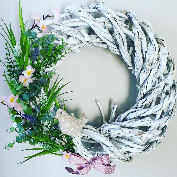 No to otwieram sezon wiosenny. Czujecie już to? ☀️ #handmade #wianek  #wiosna #wreath #spring