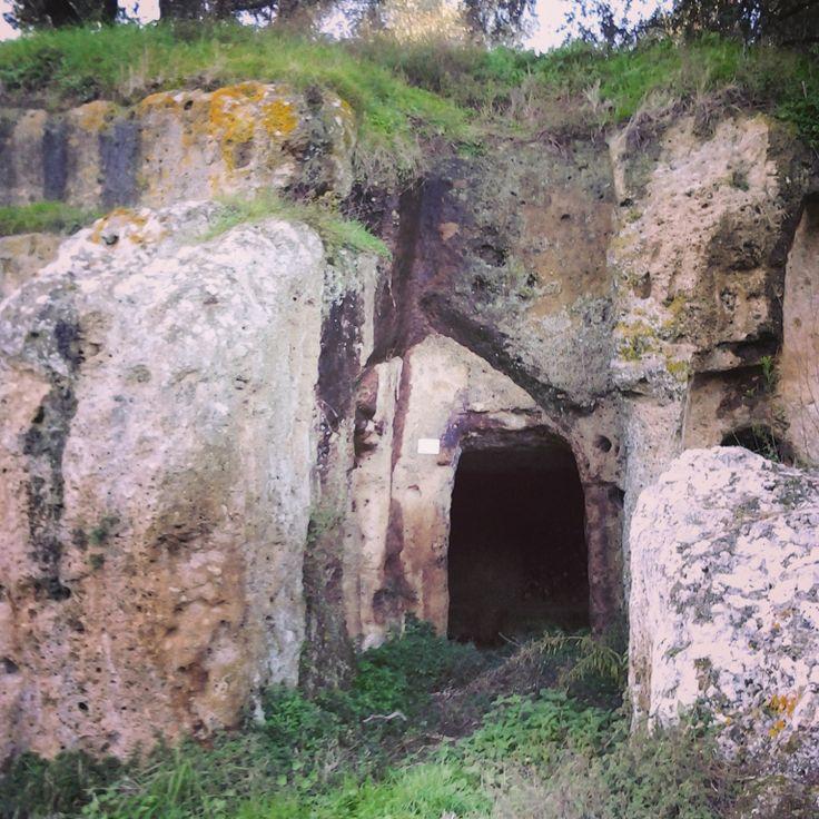 Etruscan Site Poggio Buco in Pitigliano #maremmatuscany #archeologia #archaeology