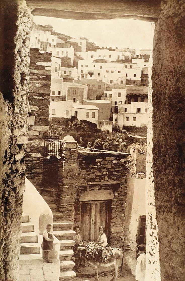 Η Σίφνος, φωτογραφία του Φραντζέσκο Περιλά στη δεκαετία του '30