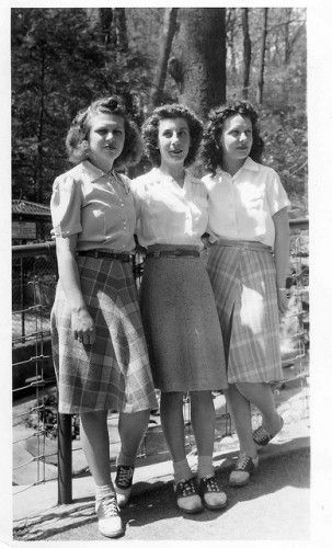 1940s Skirt History: 1940s teens wearing white blouses, plaid skirts and saddle shoes.  #1940s #vintage #teens