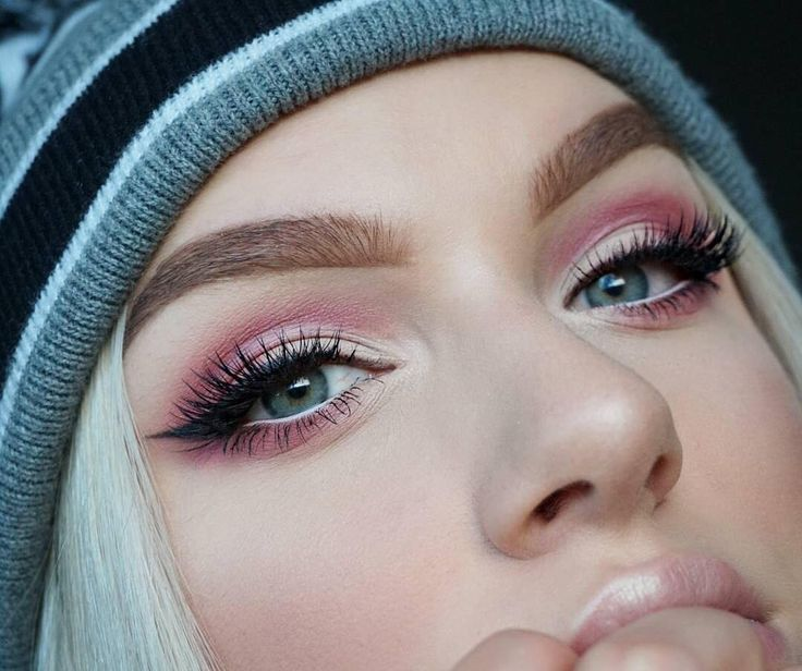 baby pink eye - 735×616