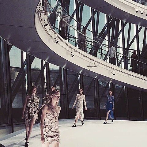 Peekaboo designs, summer lace and deconstructed florals for #preenbythorntonbregazzi for #SS16. #LFW @regram #telegraphfashion (at London Fashion Week)