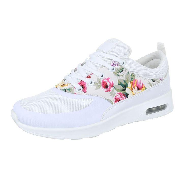 Fehér virágos cipő