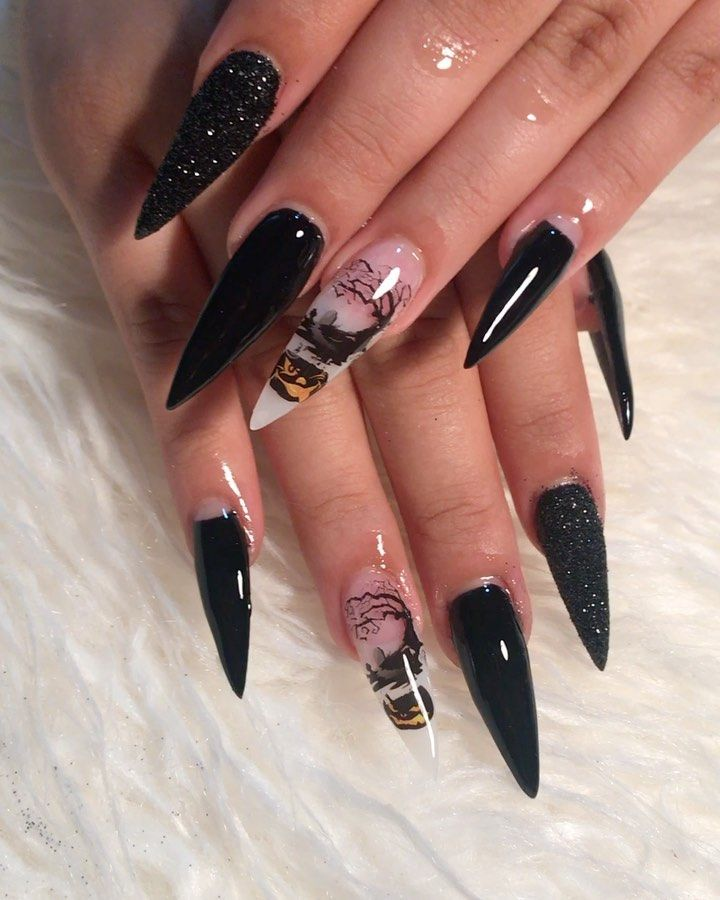 Spooky witch nails 🖤 stiletto 🖤🎃 #nailsonfleek # ...