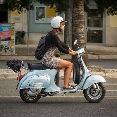 Girl on a Smallframe Vespa - magnifico