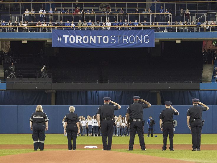 Blue Jays, Red Sox pay tribute to victims of van attack