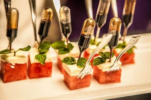 appetizers with sauce for pipette | ... appetizers. 'Our miniature pipettes are filled with surprises. It's