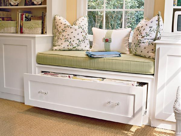 window seat storage, drawer makes more sense than a lid...you don't have to remove cushion and pillow to access