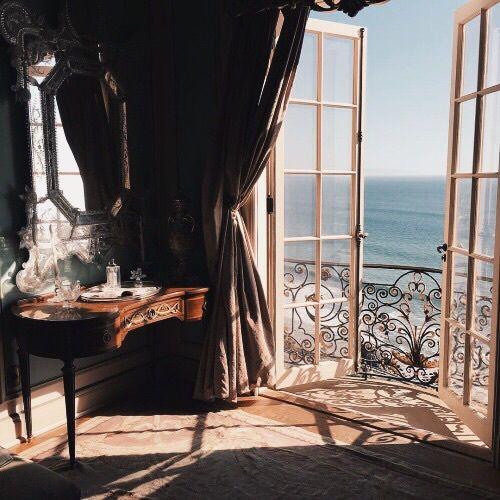 sea, room, and view-bilde