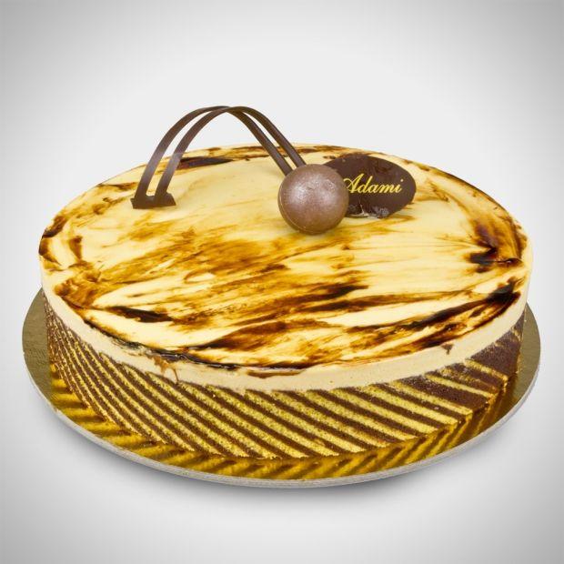 Colpo di fulmine - Una base di biscuit di farina di mandorle e caffè con una mousse di cioccolato al latte e mousse al caramello. Amore a primo assaggio!
