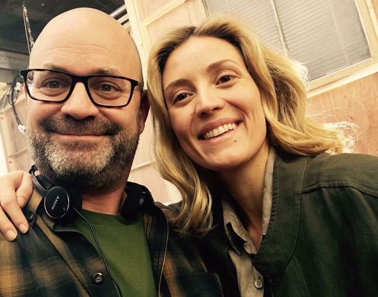 She's on set now for the final season. Can't wait. Arghhhh...  #Delphine #EvelynBrochu #Cophine