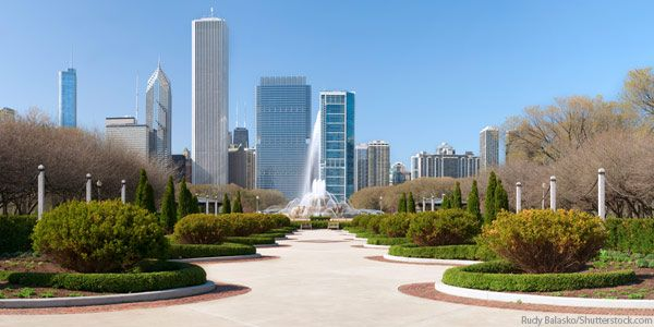 Chicago Grant Park with Buckingham Fountain in the Middle