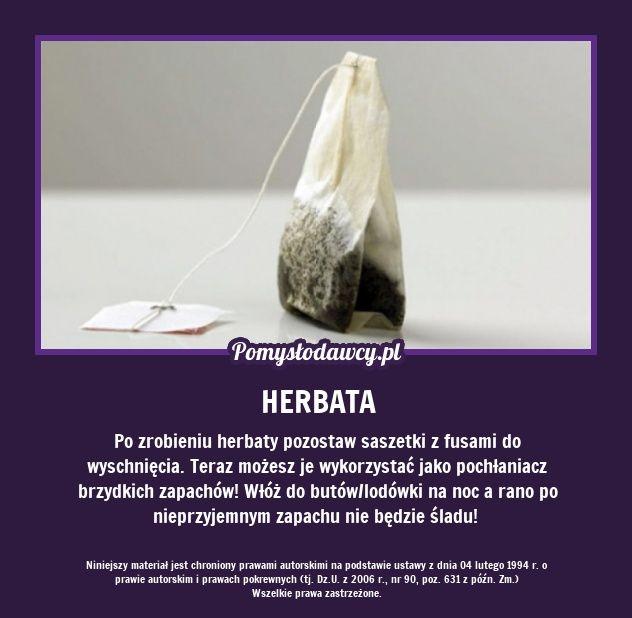 Po zrobieniu herbaty pozostaw saszetki z fusami do wyschnięcia. Teraz możesz je wykorzystać jako pochłaniacz brzydkich zapachów! Włóż do butów/lodówki na noc a rano po nieprzyjemnym zapachu nie będzie śladu!
