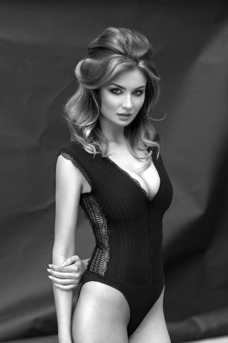 #photoshoot #kerastase #lookbook #hair #hairdresser #photography #blackandwhite #photographer #body #black #sexy #girl #women #stylish #elegant #classy #perfect #hair #makeup #beauty #model #polaroid #modellife #magdalenamichalak