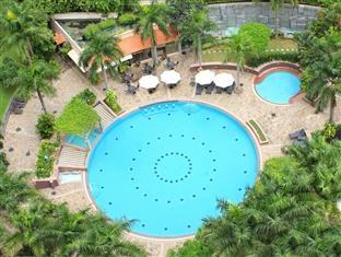 Legend Hotel Saigon HCMC. Ah the pool! Alex and Chris enjoyed it much