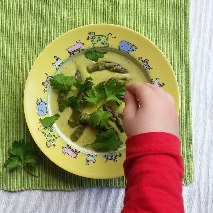 Keittotaiteilua: Kermainen parsakeitto
