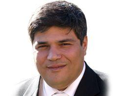 Paulo Margarido - Licenciado em Psicologia com pós-graduação em Marketing e Gestão pela Universidade Católica, desenvolveu grande parte da vida profissional na Gestão de Equipas, Marketing e Operações, com experiencia de 20 anos em empresas multi-nacionais no mercado farmacêutico.