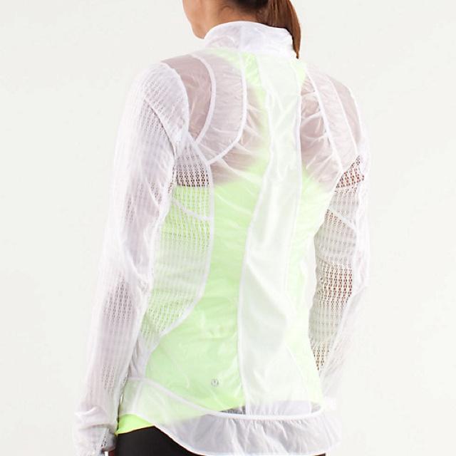 "Back of ""nothin to hide"" run jacket by lululemon   I want in flash light colourway: 3 Lululemon, Trav'Lin Lights, Flash Lights, Jackets, Exercise Clothing, Lights Colourway, Exerci Clothing"