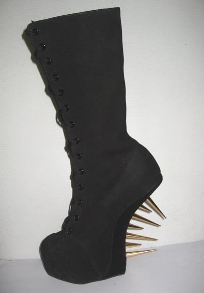 Black-Suede-Heeless-Spike-Boots.jpg (400×575)