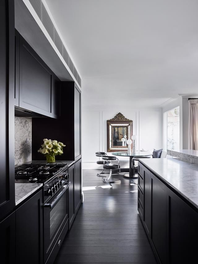 Black and marble kitchen. | Photo: Anson Smart | Story: BELLE
