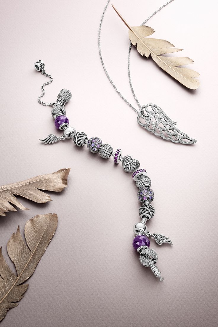 The lightness and elegance of feathers have inspired a series of stunning pieces portraying their natural beauty. Which one is your favorite? #PANDORA #PANDORAbracelet #PANDORAnecklace