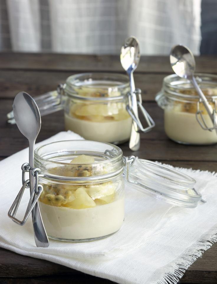Omena-sitruunapannacotta: http://www.dansukker.fi/fi/resepteja/omena-sitruunapannacotta.aspx  Kirpeän pehmeää makujen harmoniaa. #omena #pannacotta #sitruuna