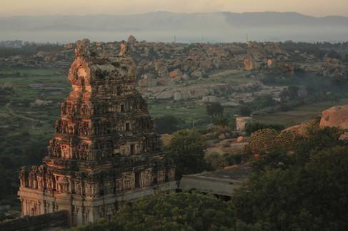 De Vijayanagarruïnes in Hampi, in de Indiase deelstaat Karnataka