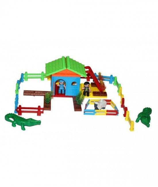 Este un joc de construit ce ilustreaza o ferma, dotata cu animale, casa, gard si 2 fermieri. Piesele jocului sunt non toxice, realizate din materiale prietenoase cu mediul. Jocul de construit ajuta la dezvoltarea psihica si cognitiva a copilului, de aseme