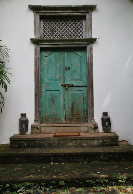 Told you we love doors... Sri Lanka - Bawa