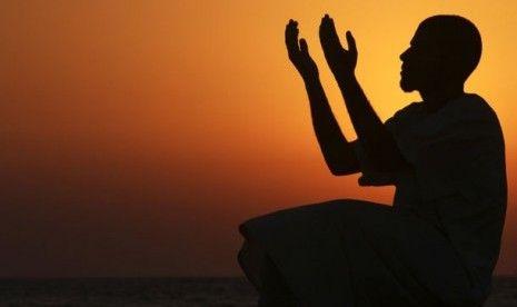 Doa Pembuka Rezeki Menurut Al Qur'an dan Hadist http://www.faktapedia.net/2017/01/doa-pembuka-rezeki.html